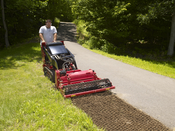 Toro Dingo 525 Narrow Track with Soil Cultivator